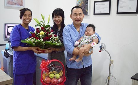 The family of Mrs. Many and Mr. Cheav brought their baby to visit Dr. Sean Sokteang